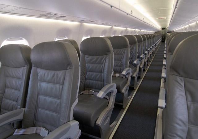 Embraer 195