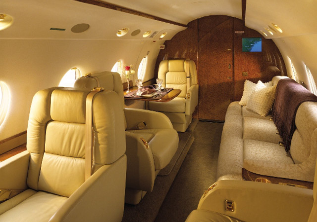 Charter price for Gulfstream 200