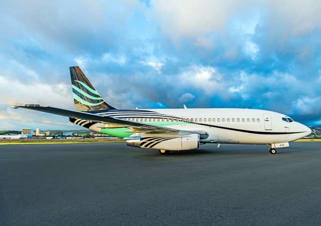 Boeing 737-2Q8 Specialty